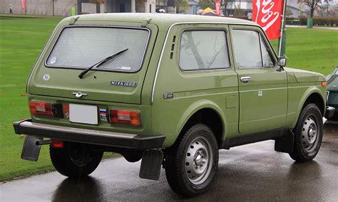 lada niva 1600 file 1987 lada niva 1600 rear jpg wikimedia commons