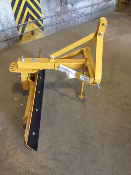 gratte arriere pour tracteur neuve pieces  accessoires pour equipement lourd ouest de