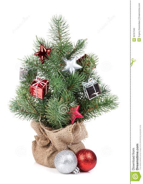 kleiner weihnachtsbaum mit dekor lizenzfreies stockfoto