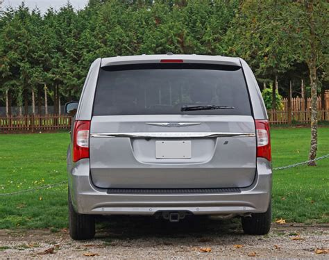 chrysler town and country canada 2015 chrysler town carcostcanada