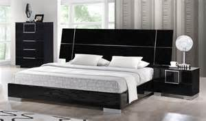 black lacquer headboard black high gloss lacquered platform bed with headboard