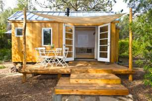 Small Home Living The Top 10 Tiny Houses Of 2014 Tiny House Listings