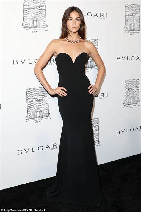Dress Bulgary Black aldridge wows in strapless gown with necklace