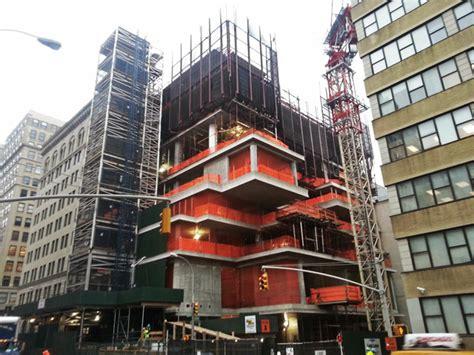 construction resumes at 56 leonard new york yimby