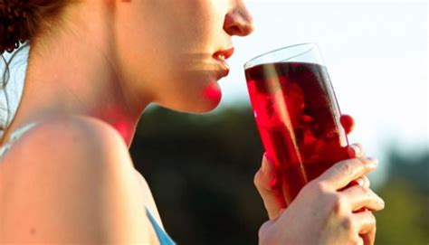 How Much Cranberry Juice Should I Drink To Detox by Is Juice Really Better Than Colas For Chronic Kidney