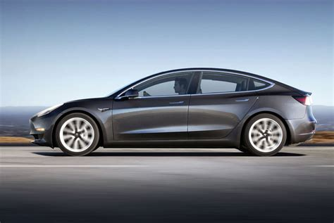 5 features of the tesla model 3