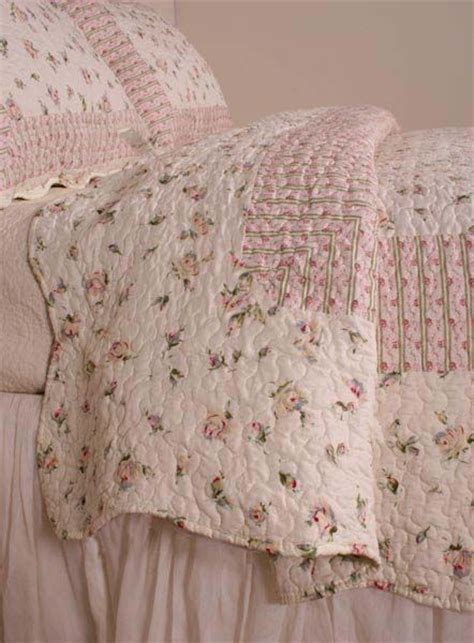 shabby chic bedding shabby chic 2 vintage styles pinterest shabby chic pink quilts