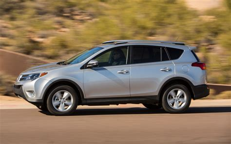 Toyota Av4 2013 Toyota Rav4 Xle Test Photo Gallery Motor Trend
