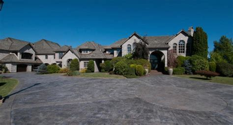 nickelback s chad kroeger lists palatial abbotsford