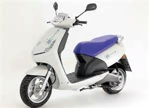 Peugeot Electric Scooter Peugeot E Vivacity Electric Scooter Slated For 2011 Release