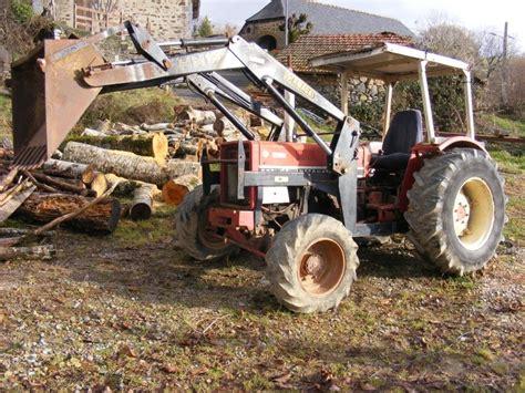 1409559998 les tracteurs complete la un tracteur recent en restauration 633 ih 4x4 vendeuvre15