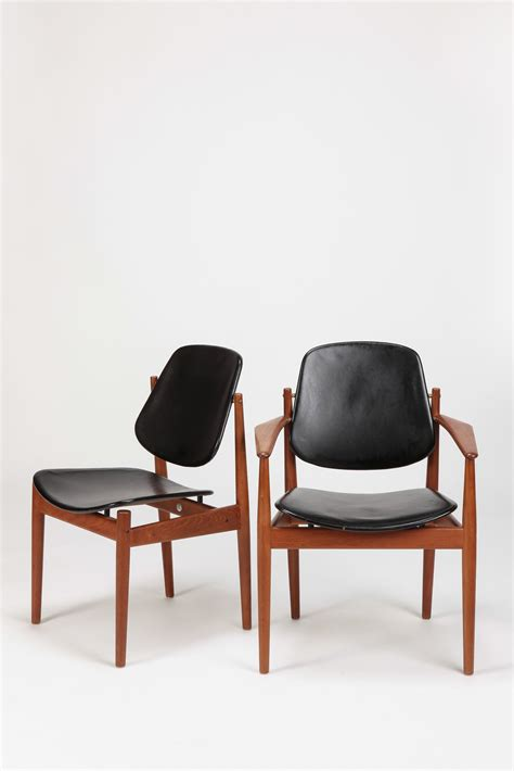 Skandinavische Sessel 322 by Arne Vodder Teak Brass And Leather Dining Chairs For