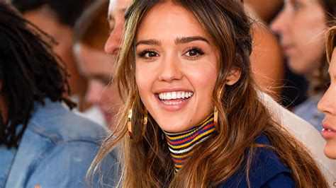 jessica alba went blonde for the end of summer stylecaster