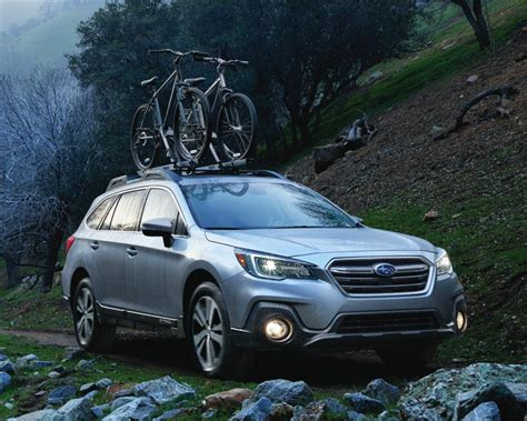 subaru outback off road subaru rolls out a redesigned outback wagon for 2018