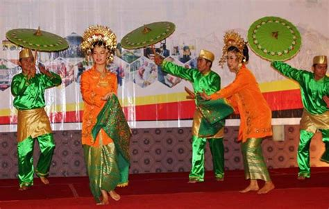 Payung Tari Brukat Hias Tradisional tari payung asal sumatera barat sejarah gerakan