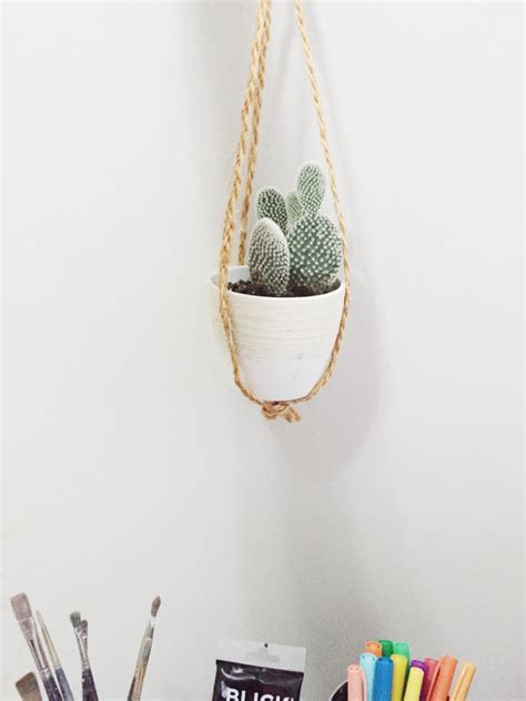 Easy Macrame Plant Hanger - diy macrame plant hanger the effortless chic
