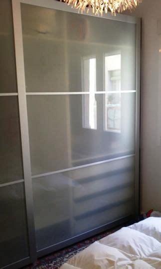 se vende armario  puertas correderas blanco tonnes blanco ikea segunda mano serie pax se
