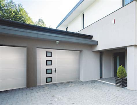 porte de garage sectionnelle ou enroulable porte de garage sur mesure sectionnelle ou enroulable 06