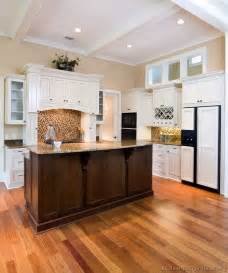Two Tone Cabinets In Kitchen Pictures Of Kitchens Traditional Two Tone Kitchen Cabinets Kitchen 3