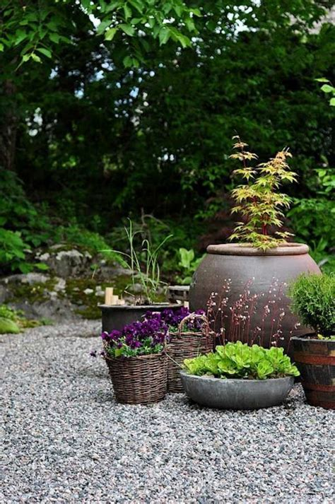 Landscaping with gravel and stones ? 25 garden ideas for