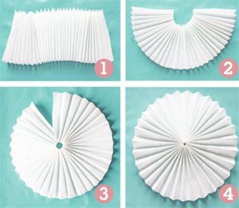 como hacer decoraciones con papel adornos con papel colgantes imagui