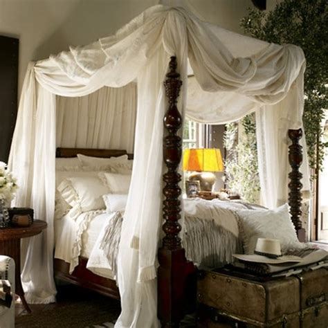 Canopy Bed Decorating Ideas | ralph lauren california styles bed room canopy white vintage inspired eclectic home decor ideas