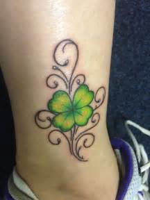 shamrock vine tattoo designs 25 best ideas about four leaf tattoos on four