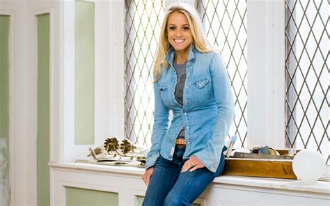 rehab addict nicole curtis baby rehab addict host nicole curtis battling ex boyfriend over