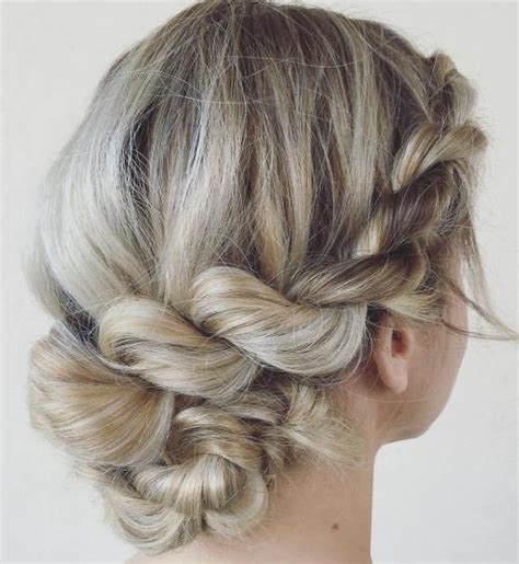 Easy Hairstyles For Medium Hair Updos by 30 And Easy Updos You Should Try In 2017
