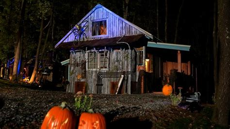 Tiny House Halloween Special Sneak Peek Tiny House Nation Schedule