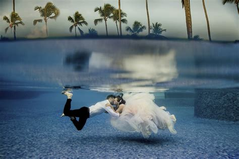 The Best Photographer announcing the 2015 best of the best wedding photography
