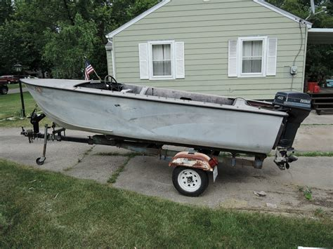used crestliner boats for sale in michigan crestliner flying crest boat for sale from usa
