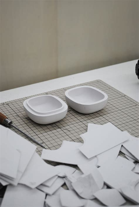 Objects With Paper - nendo a 3d printer and some lacquer make it leo