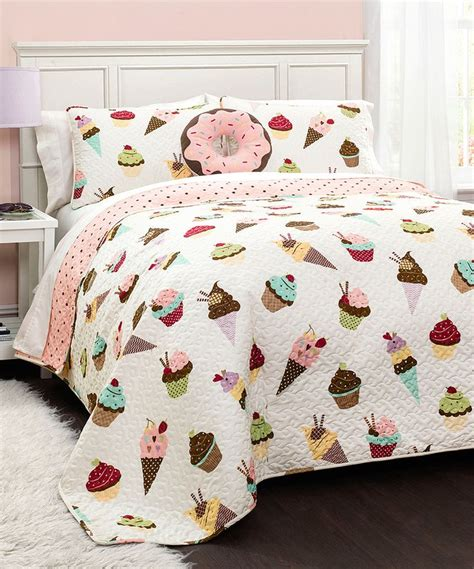 cupcake bedroom decor 1000 ideas about cupcake room decor on pinterest cupcake bedroom cupcake kitchen decor and