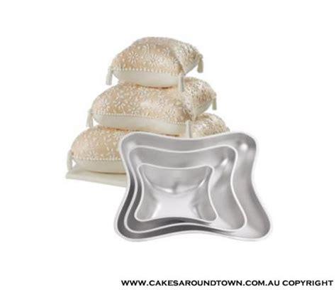 hire 4pc pillow pan set wilton tin pan