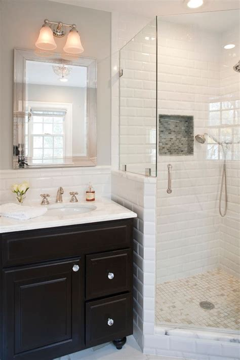 Corner Tiles Bathroom by Best 25 Corner Showers Ideas On Small