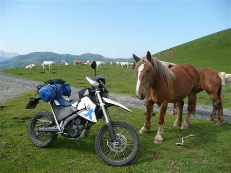 Pyren En Motorrad by Die Motorbienen Motorbiene Natascha