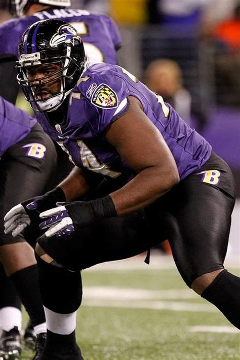 michael oher bench press getting to know blind side tackle michael oher the