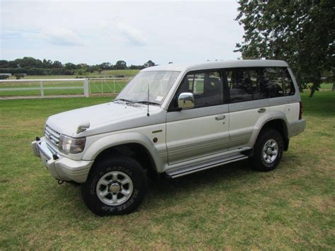 1995 mitsubishi pajero 7 seater suv 1 reserve