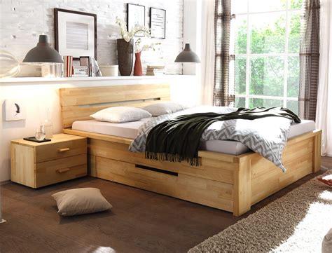 bett mit integriertem nachttisch massivholzbett nachttisch kernbuche ge 246 lt stauraumbett