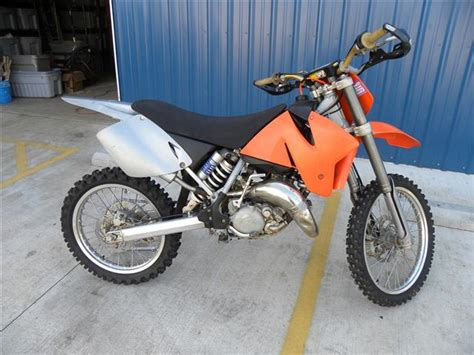 2000 Ktm 125sx Bikes In Disassembly At Oem Cycle
