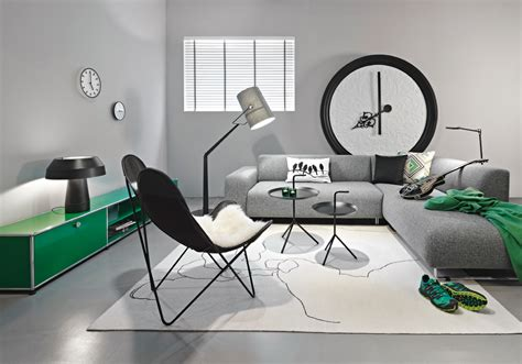 büro sofa graue tapete schlafzimmer