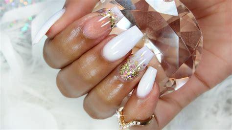imagenes de uñas blancas de acrilico increible dise 209 o en u 209 as blancas decoradas con dorado