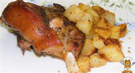cucina stinco di maiale un pensionato in cucina stinco di maiale al forno con patate