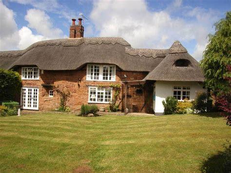2 bedroom cottage for sale in virginia kenilworth