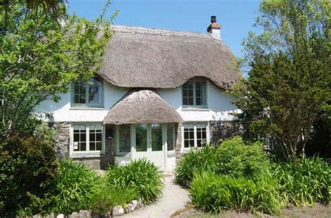 cornwall haus kaufen enorm haus in cornwall mieten tatched cottage coverack1