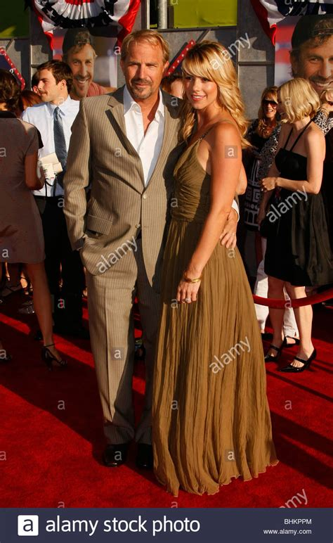 kevin costner swing vote christine baumgartner and kevin costner stock photos