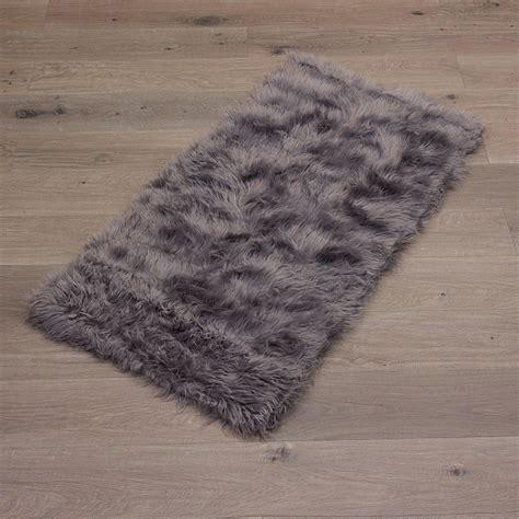schaffell teppich schaffellimitat teppich schaffell imitat kunstfell weich