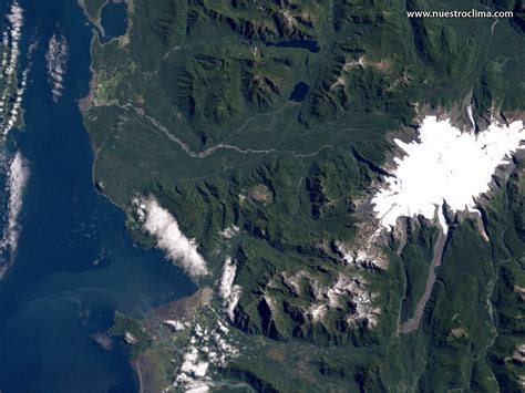 imagenes satelitales volcan im 225 genes satelitales el volc 225 n chait 233 n antes y despu 233 s