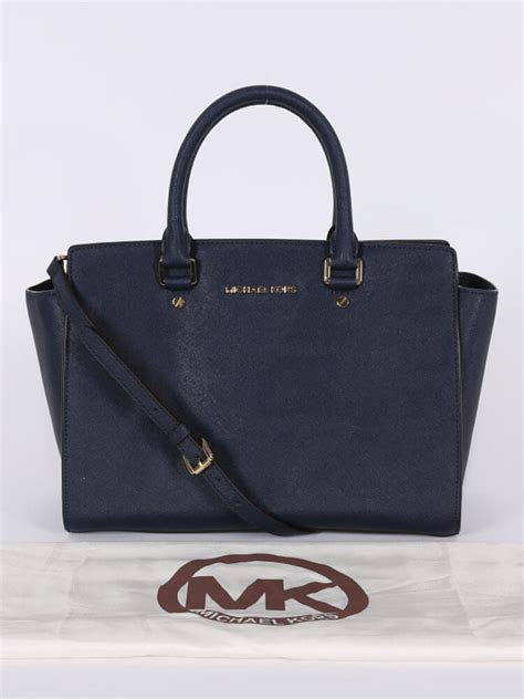 Quincylabel Celice Bag Belt Navy michael kors selma large saffiano leather navy blue luxury bags